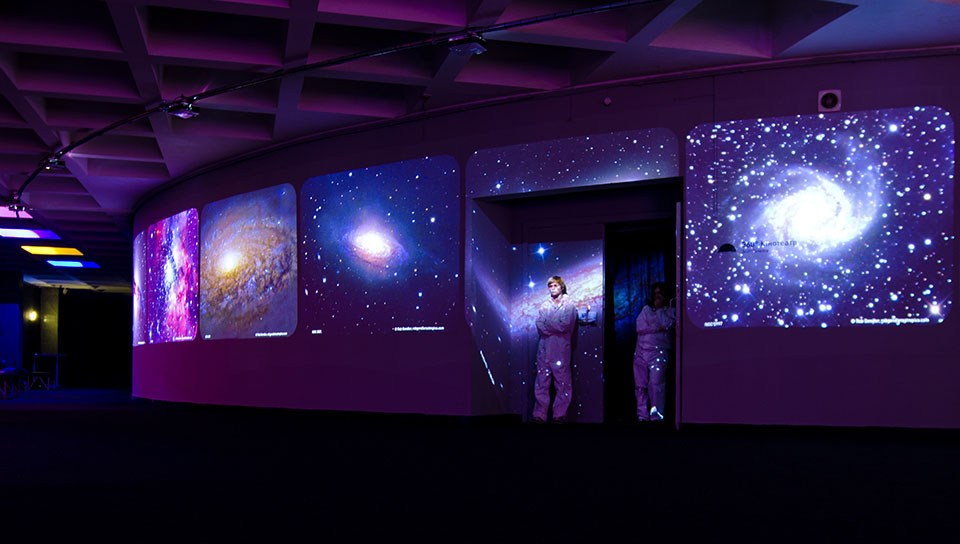 Kyiv Planetarium chooses Front Pictures to Turn to Digital